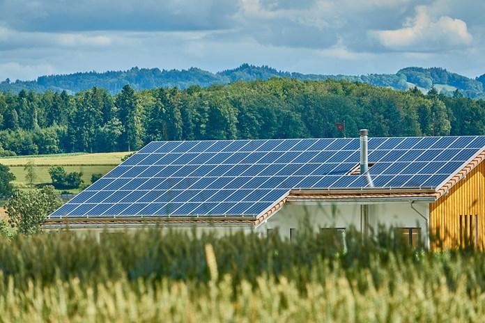 Gujarat govt announces wind-solar hybrid power policy