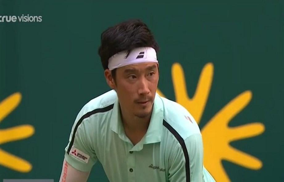 Sugita stuns Thiem to reach Halle quarter-finals