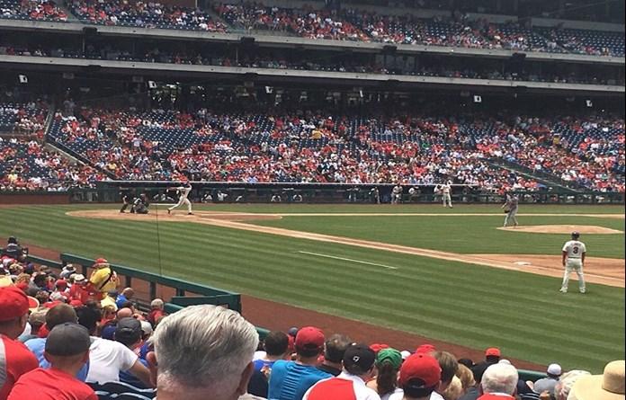 Herrera's tiebreaking blast leads Phillies past Cardinals