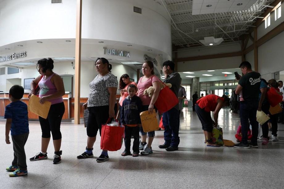 Joy and chaos at Texas border as US reunites migrant families