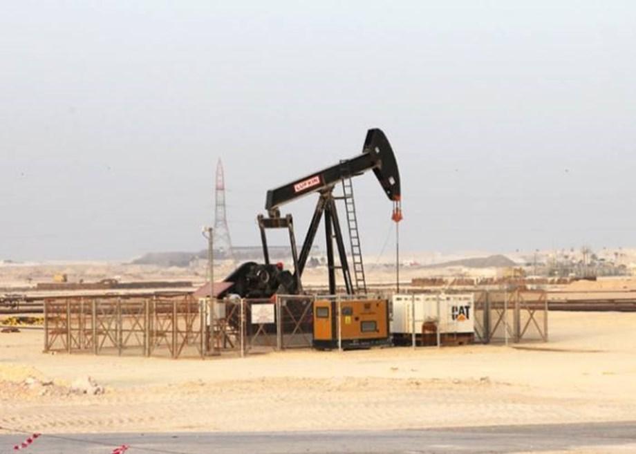 Industrial oils slip on subdued demand