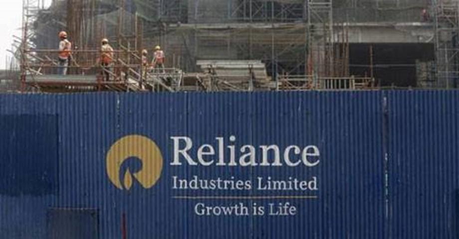 RIL stock at lifetime high; market cap surges past Rs 7 lakh cr