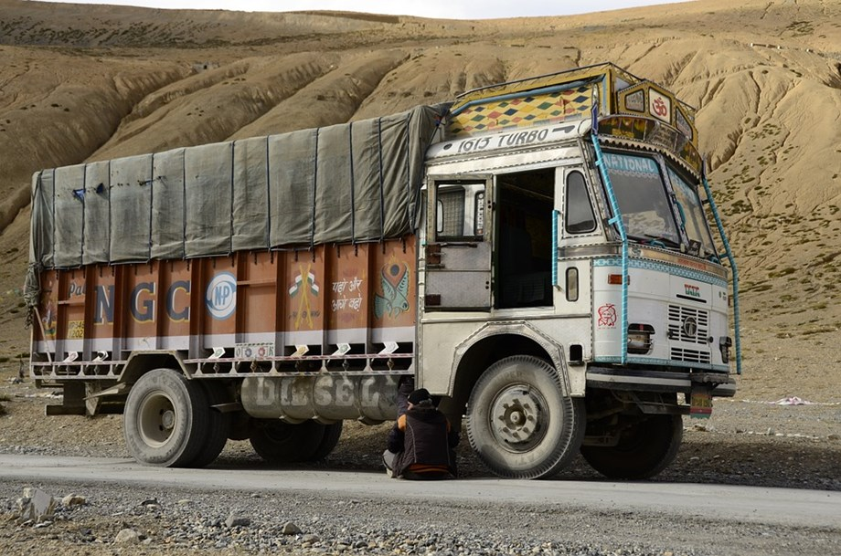 Truck strike: 4.5 lakh trucks off the roads in Tamil Nadu