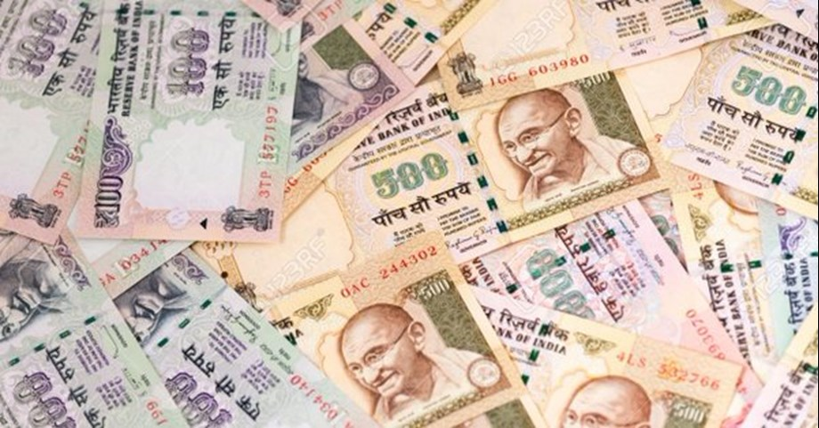Rs 3 crore in demonetised notes seized from five people