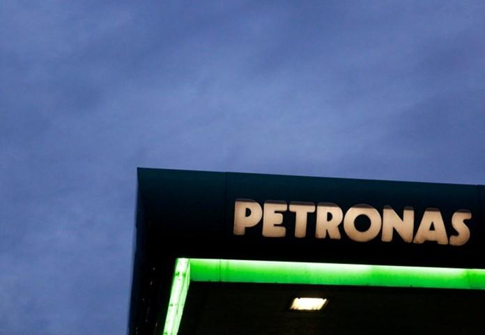 Malaysia's state energy firm Petronas raises spending budget