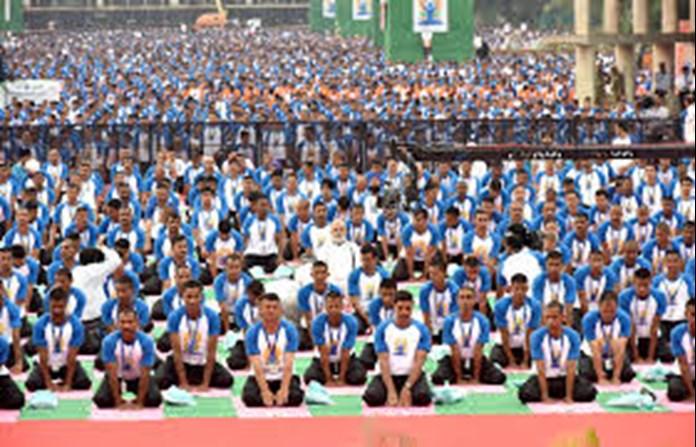 World celebrates India's ancient tradition, Intl Yoga Day