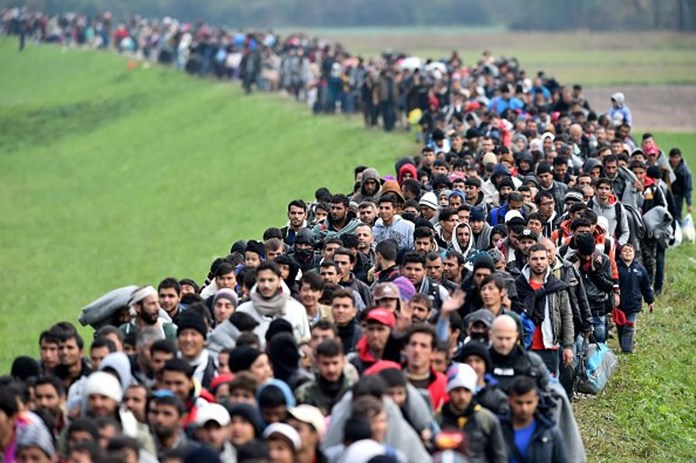 EU leaders call for a crisis talk on Brussels' migration