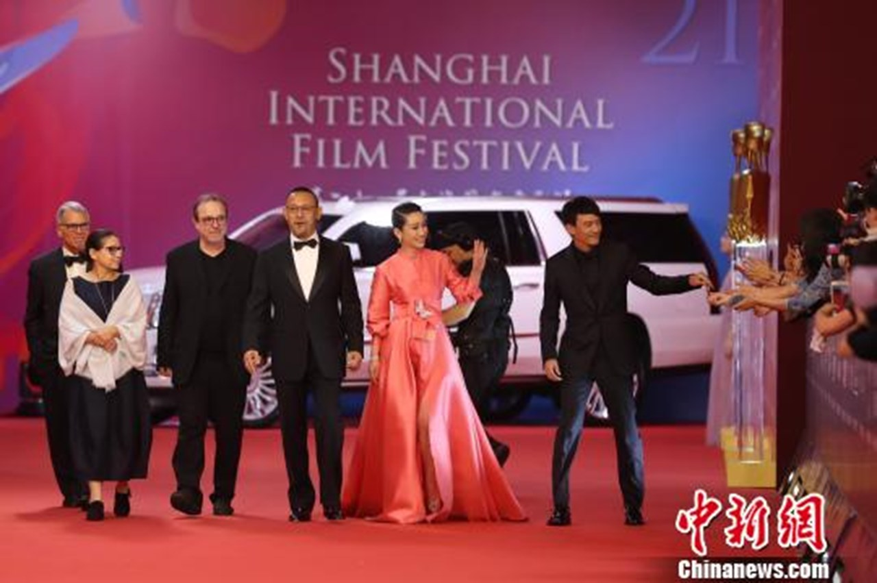 Indian and Chinese filmmakers join hands at Shanghai film festival