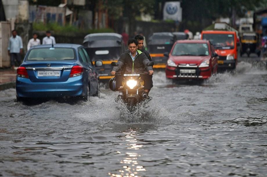 First monsoon showers lash Nashik, 2 dead in lightning strikes