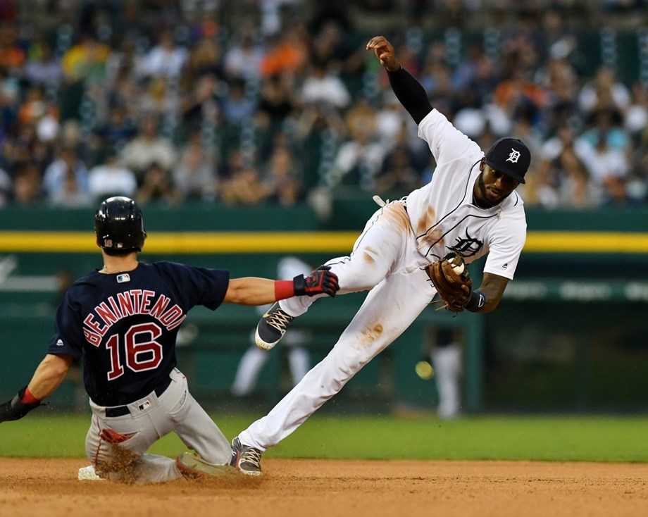 Price, Red Sox shut out Tigers, 1-0