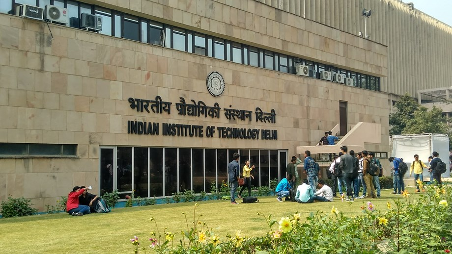 Delhi AIIMS, IIT Kharagpur sign MoU for collaboration in edu, research