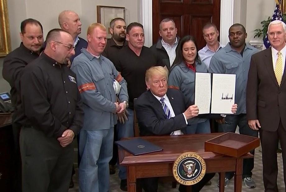 Trump signs memorandum of trade action against China