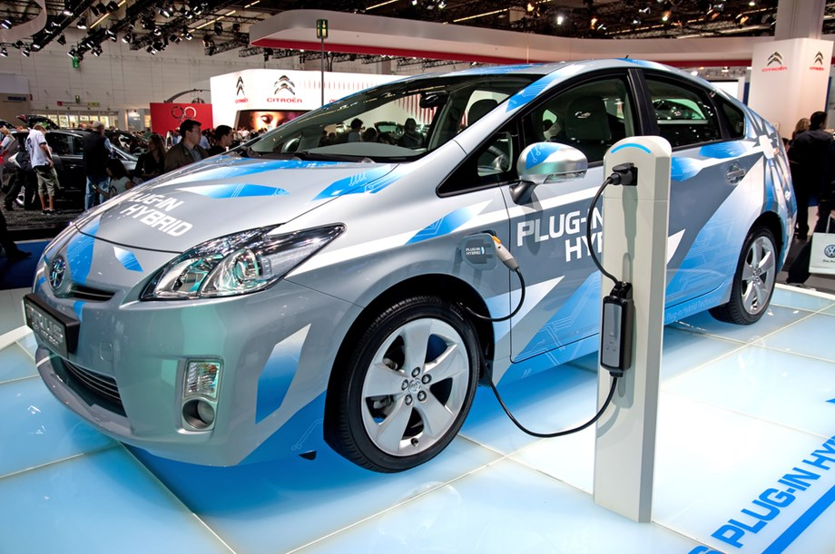 Nissan targeting 1 mln electric vehicles per year till 2022
