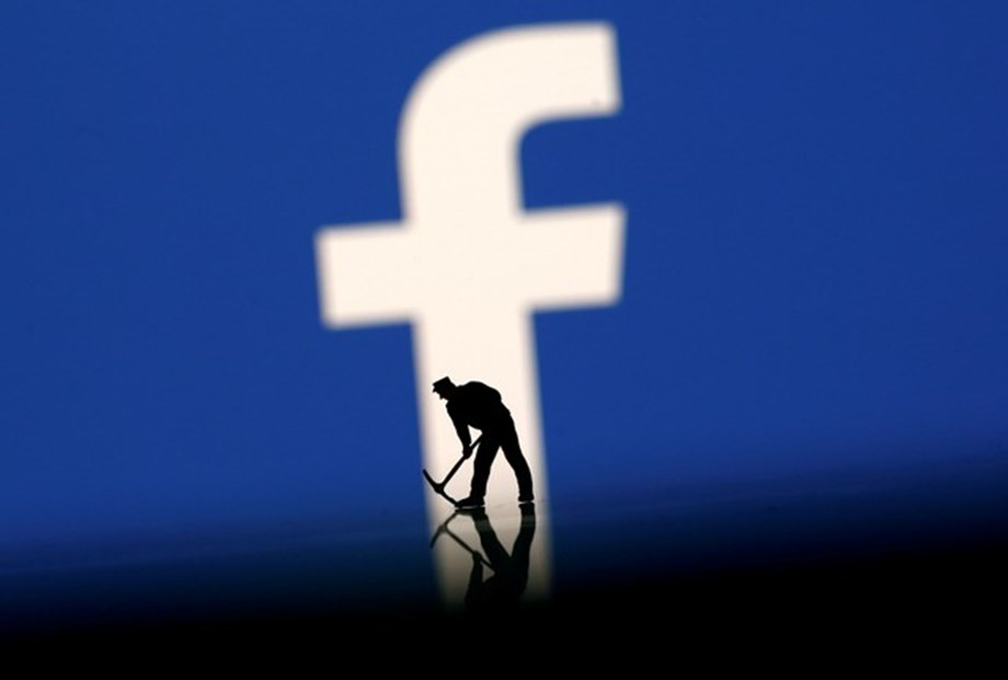 EU plans stricter laws for Facebook, Gmail following data breach