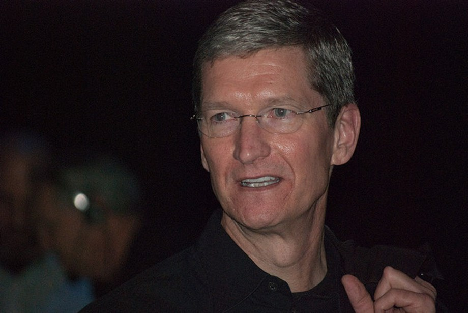 Trade war: Apple's Tim Cook calls for calm heads on China and US trade