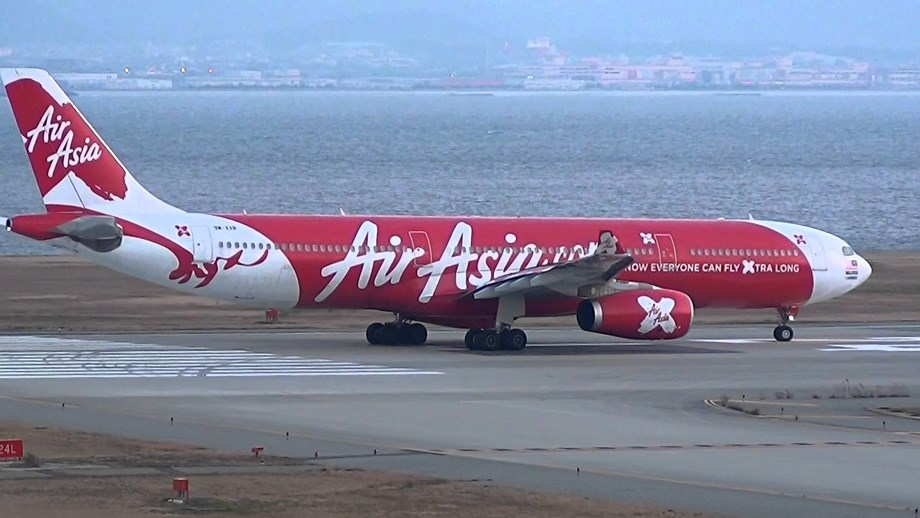 Asia's biggest budget airlines AirAsia swtiches to digital mode