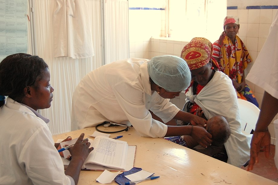 Angola's health service cripples due to shortage