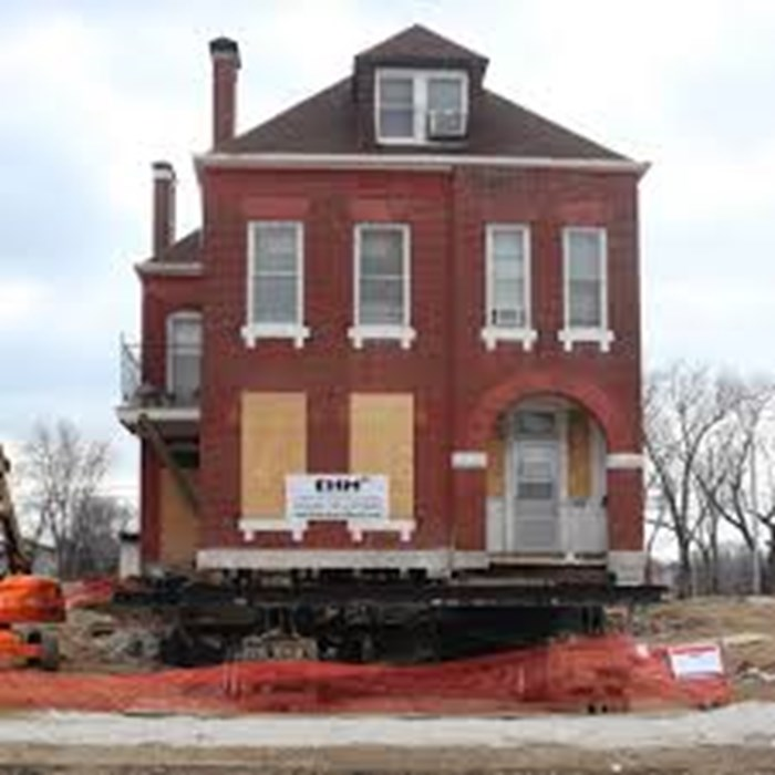 Self Sustaining Home Builders