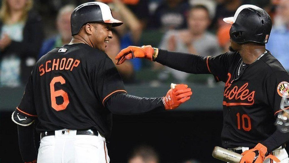 Schoop homered in 5th consecutive game as Orioles defeat Rays 15-5