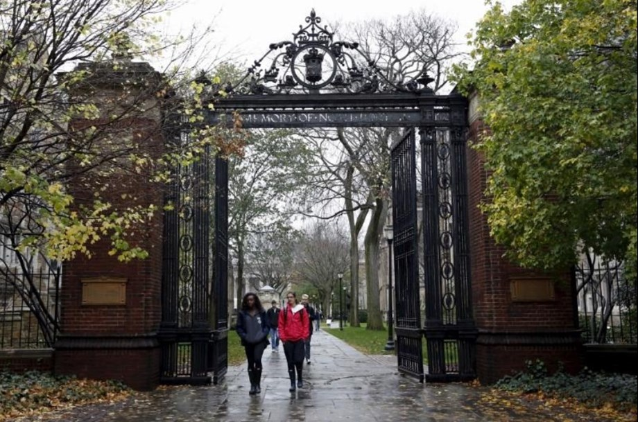 Psychology course strikes chord with Yale students