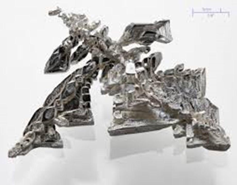Weak global cues drag down silver futures by 0.33%