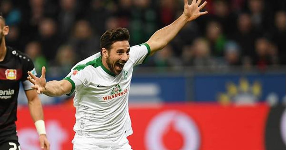 Pizarro joins Werder Bremen for a fourth and final time before retirement