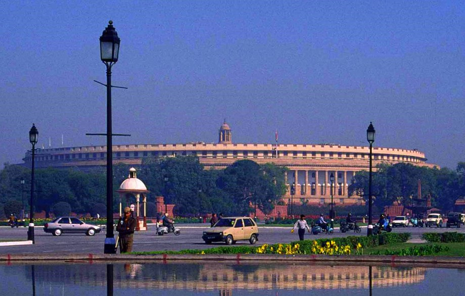 Cong asked government to convene  all-party meeting on NRC issue