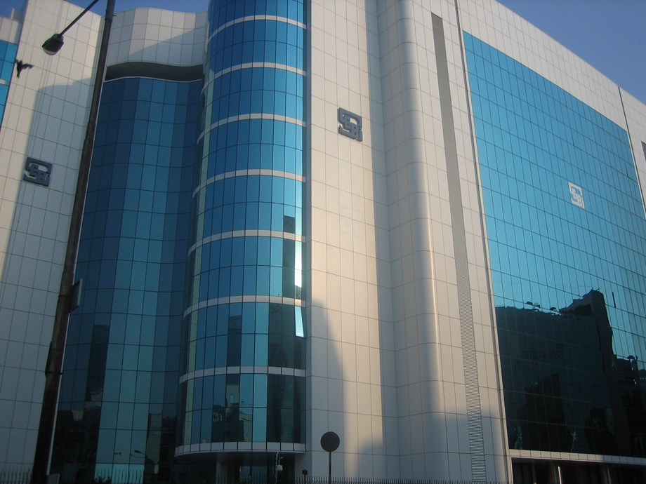 Sebi imposes INR 3 lakh fine on Central Bank of India for violating debenture trustee norms