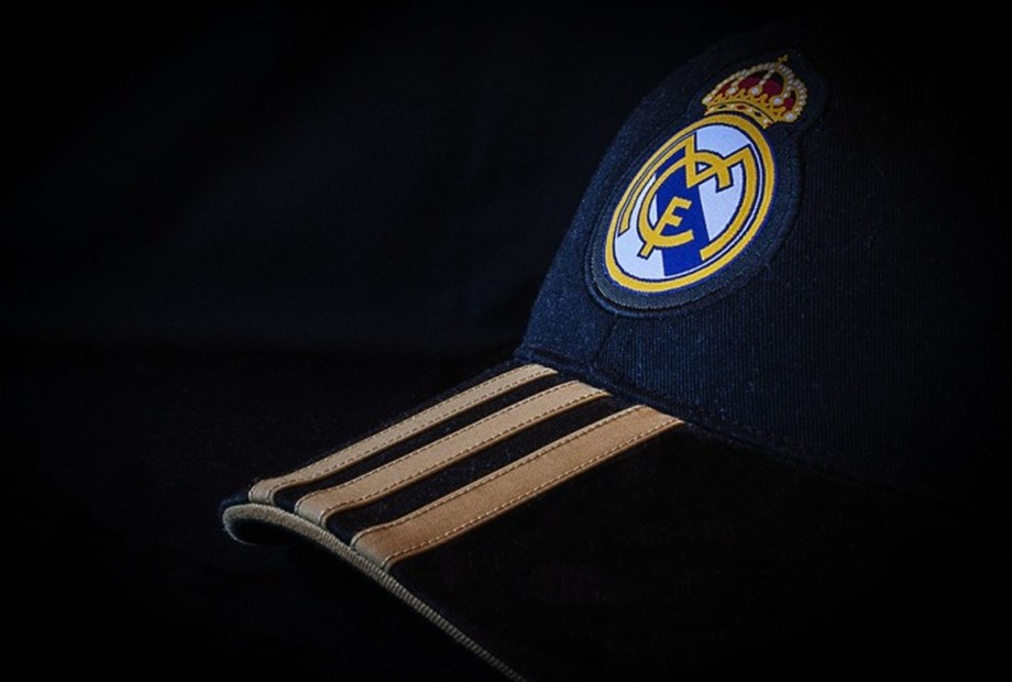UPDATE 2-Upcoming 'Clasico' between Barca, Real Madrid postponed amid Catalan crisis