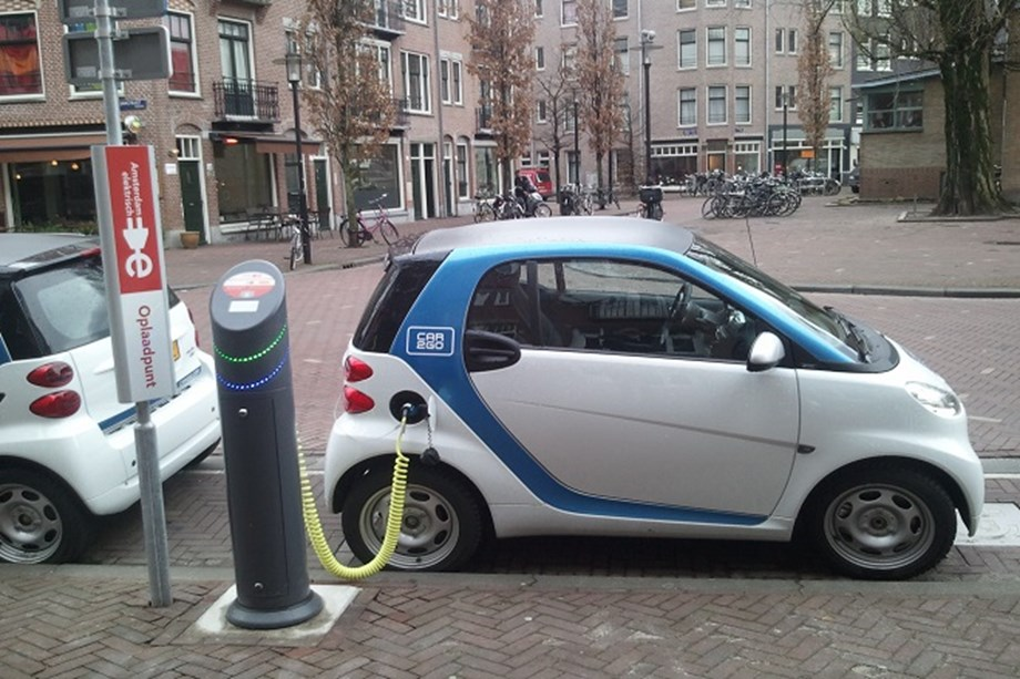EIB backs Allego Holding BV to support Europe's transition towards clean mobility