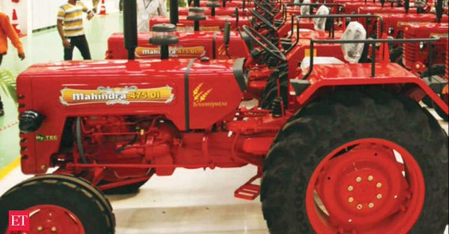 Kisan union members protest ban on old tractors in Muzaffarnagar