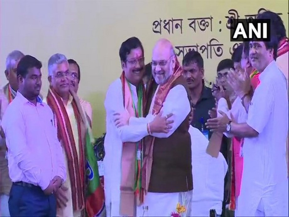 Kolkata: TMC MLA Sabyasachi Dutta joins BJP in presence of Amit Shah