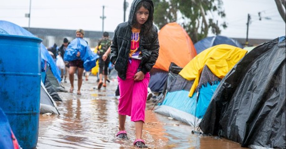 Border Patrol considering third tent facility in Arizona due to influx of migrants