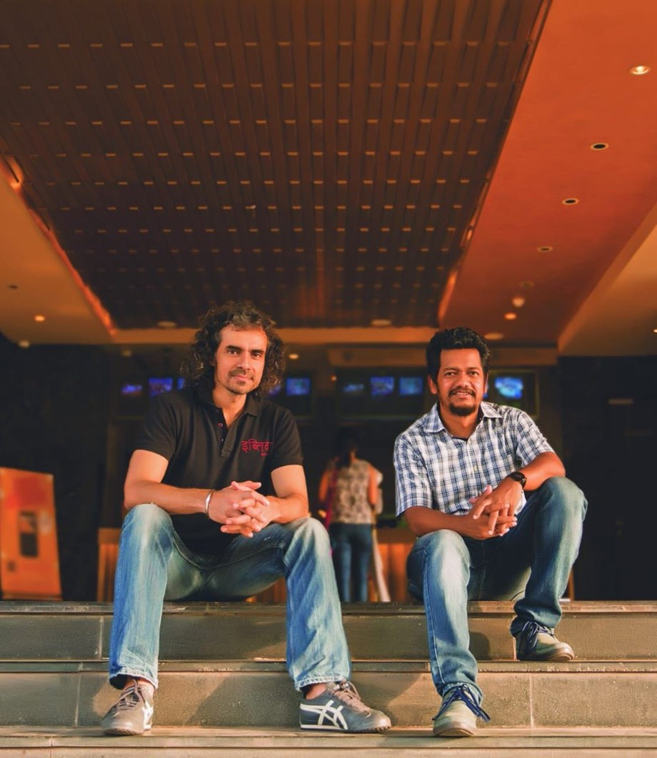 Imtiaz Ali along with Reliance to make a love story on Radha