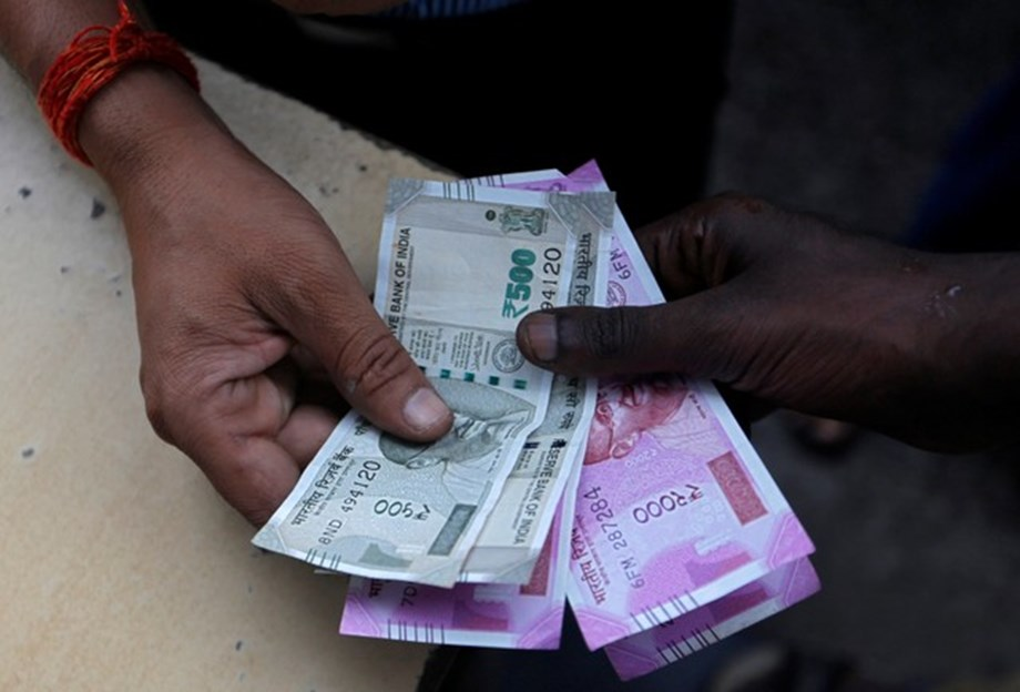 Indian Rupee opens at fresh low of 72.18 per dollar