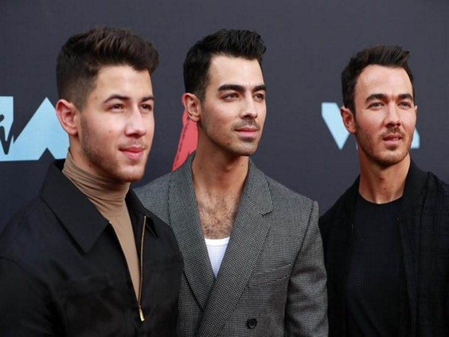 Jonas Brothers surprise fan after she missed concert due to chemotherapy