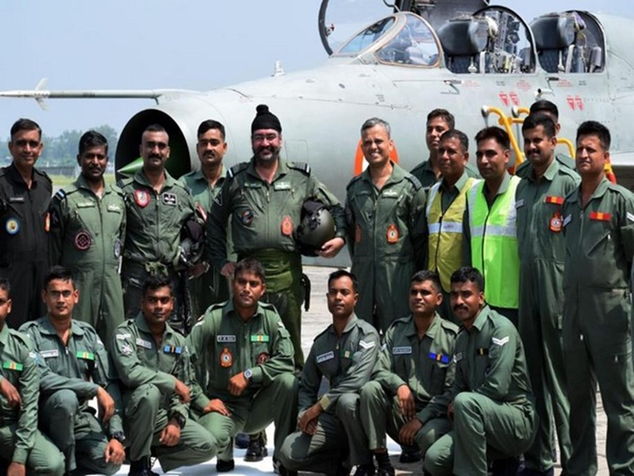 Air Force Chief flies joint sortie with Wing Commander Abhinandan in MiG-21 fighter aircraft