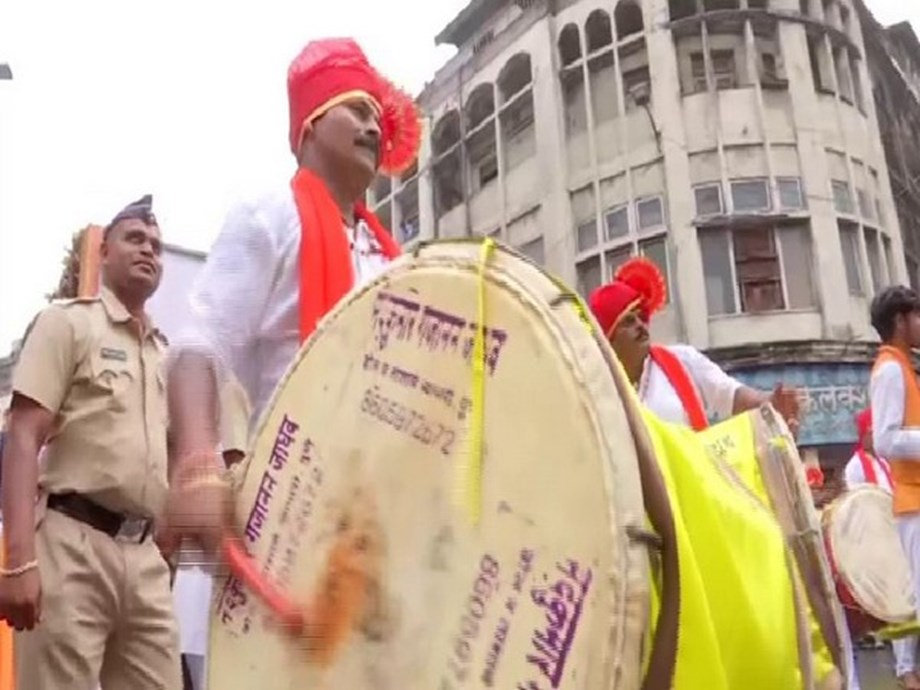 Maharashtra: Yerwada Central Jail team welcome Ganpati with drumbeats