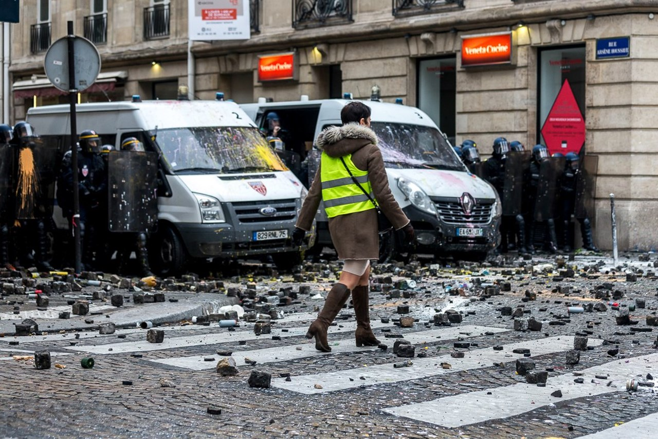 Fuel tax hikes likely to be suspended after widespread protests in France - source