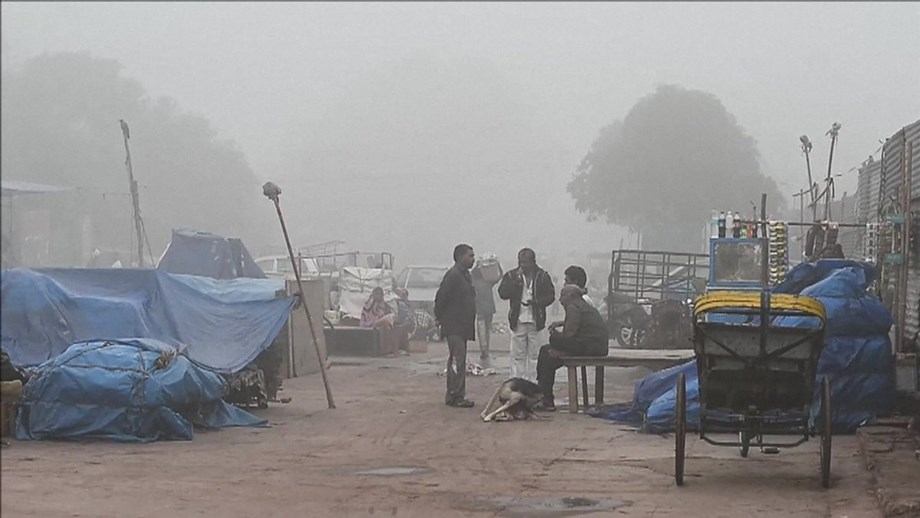 Cold weather grips Bengaluru, fog disrupts flights