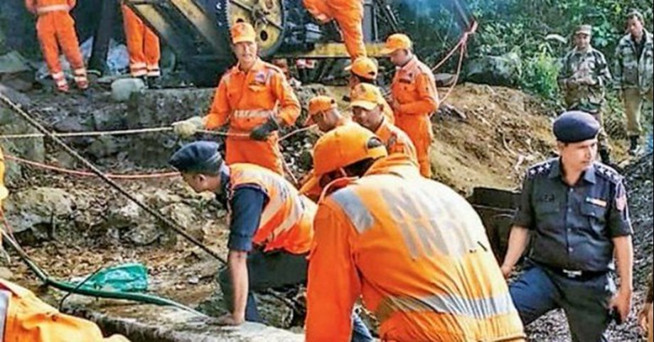Rescuing trapped miners problematic as there's no blueprint of mine: Centre to SC