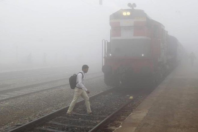Fog delays at least 12 trains in Delhi, air quality remain 'very poor'
