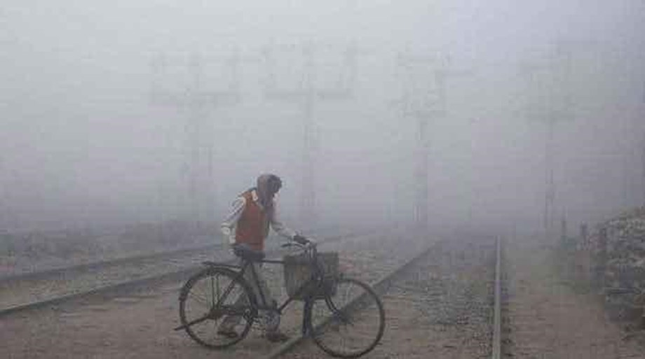 Dense fog across North India led 55 train cancellation due to low visibility