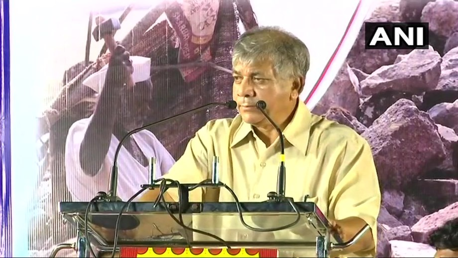 Prakash Ambedkar rules out alliance with Congress; supports Owaisi's AIMIM