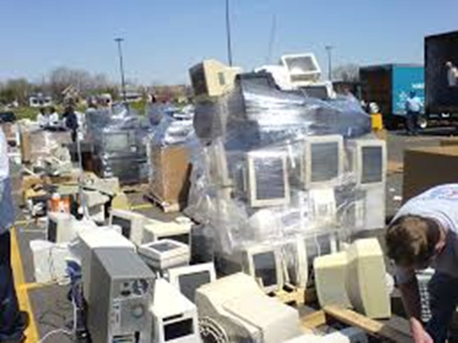 ILO calls for urgency of protecting people working with e-waste