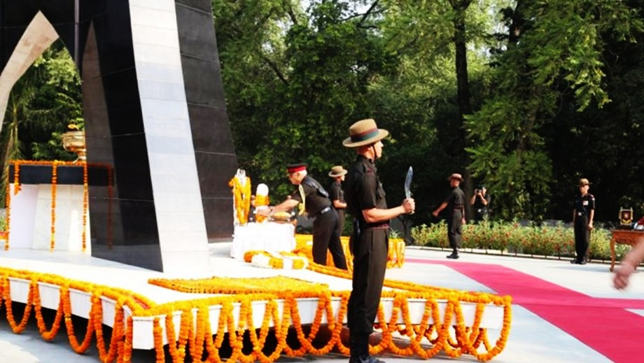 Army pays tribute to Sepoy Rohit Yadav who was killed in Shopian encounter