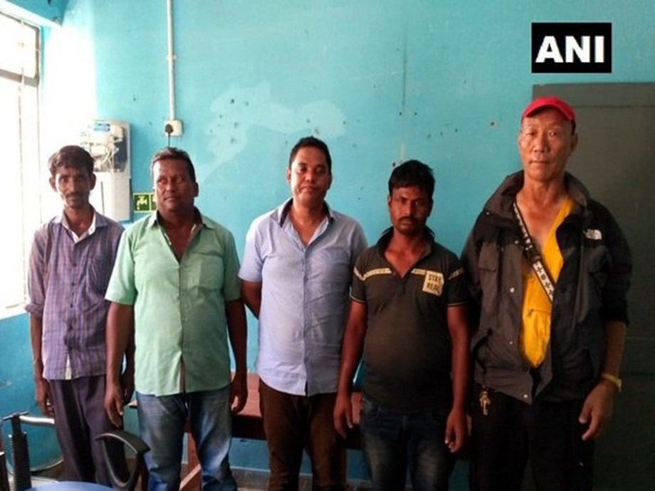 WB: 5 arrested for carrying Indian, Nepalese currency more than permissible limit