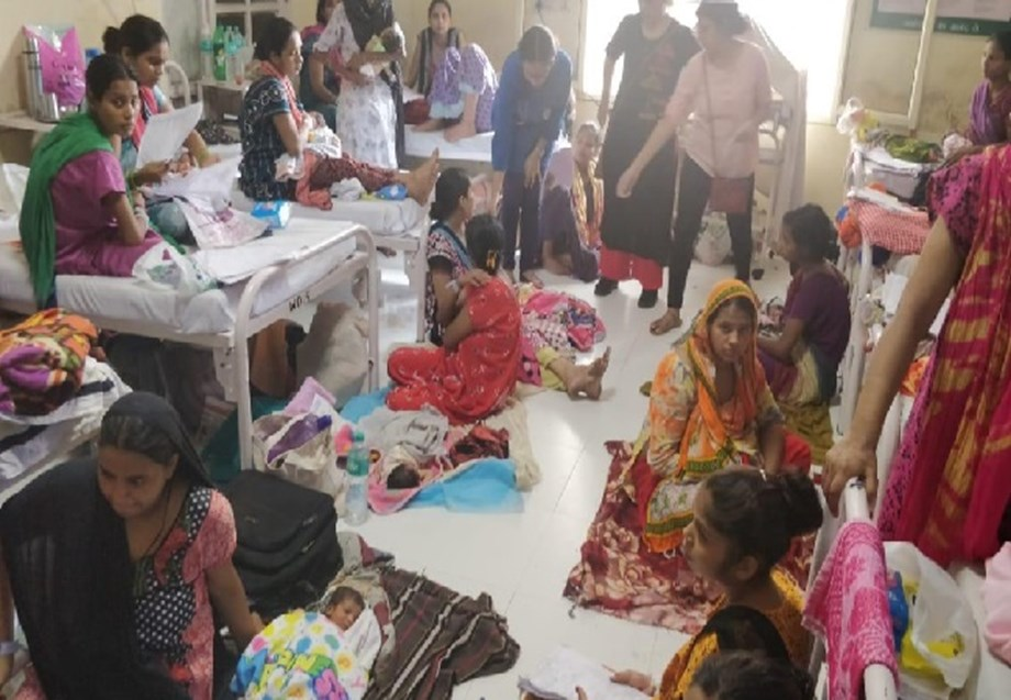Mothers, babies sleep on floor at Safdarjung Hospital; authorities want 'one patient-one bed' policy