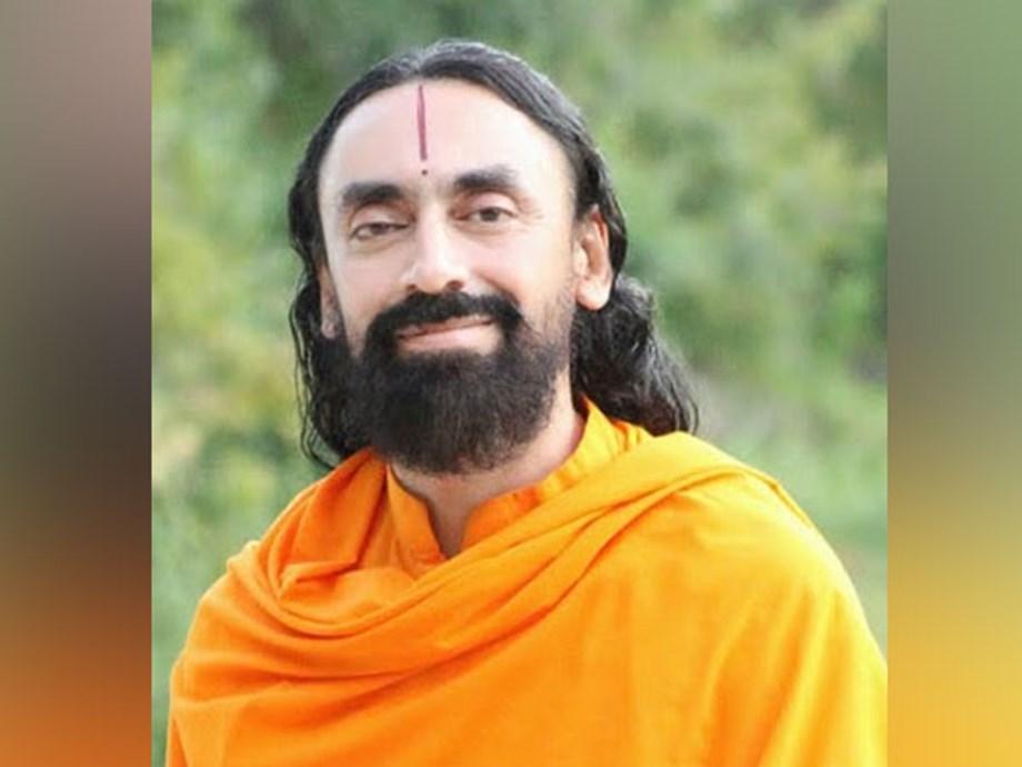 Swami Mukundananda inspires next generation of leaders