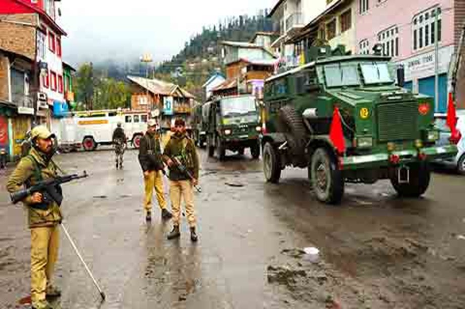 J&K: Curfew continues for 3rd day over killing of BJP's Secretary Anil Parihar and his brother